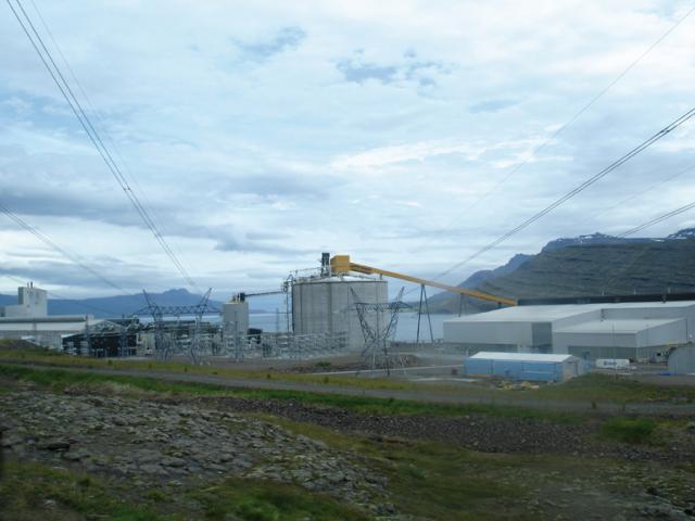 Alcoa Fjarðaal aluminium smelter, Reyðarfjörður. Photo: Julia Martin, 2014.