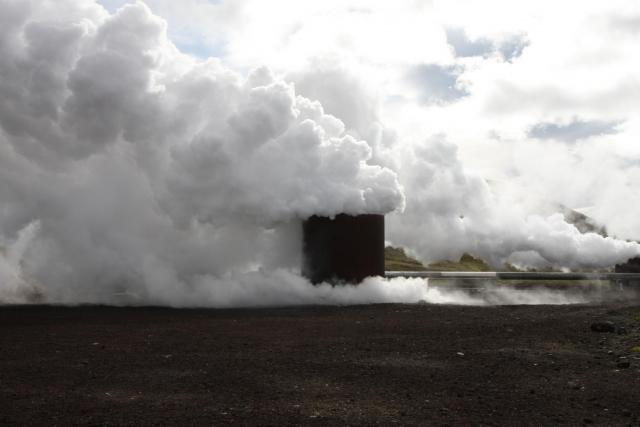 Steam vent at Krafla geothermal power station. Photo: Lisa Paland, 2015.