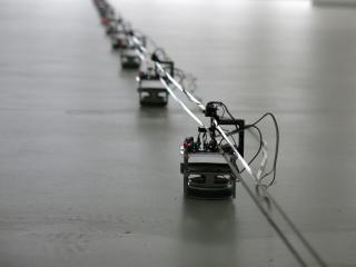 Dopravník: magnetofonový pásek, reproduktory, motor, elektronika, 110 x 70 x 70 mm/variabilní rozměry  2015, foto: archiv autora